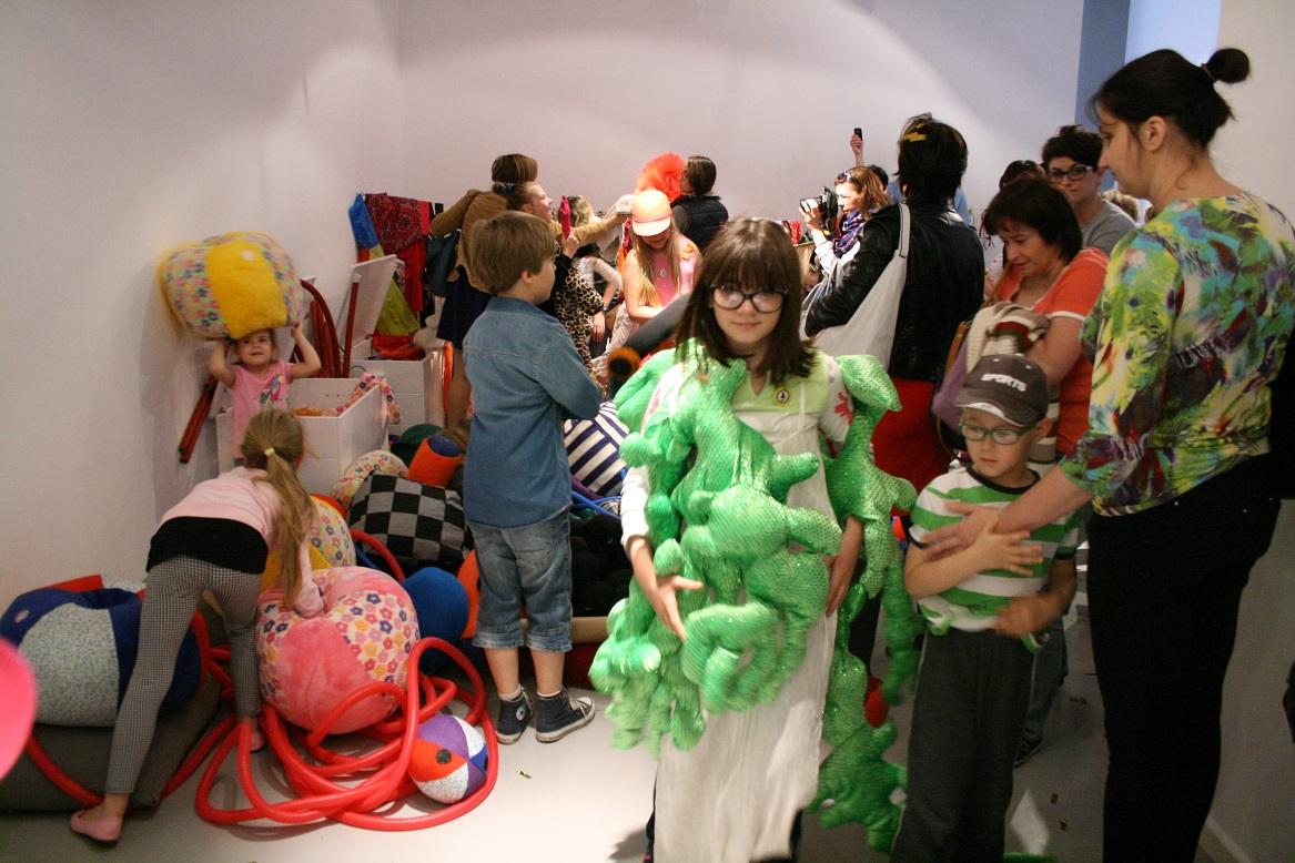 Ekstremalny Plac Zabaw wystawa Justyny Koeke